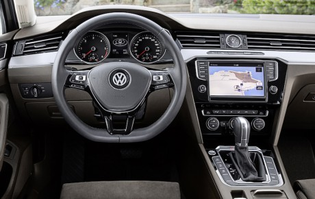 Passat er første Volkswagen med head up-display