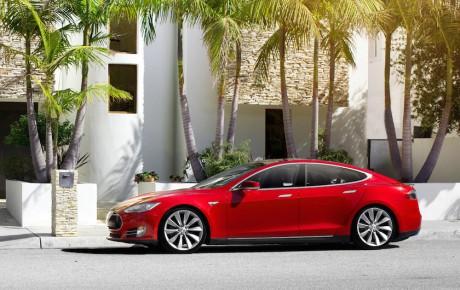 Tesla Model S nu endnu vildere – 0-100 km/t på 3 sekunder