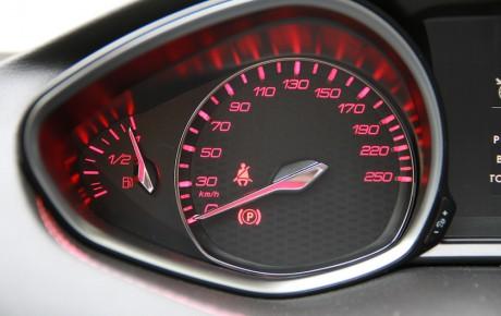 Focus ST løber om hjørner med 308 SW GT i dieselduel