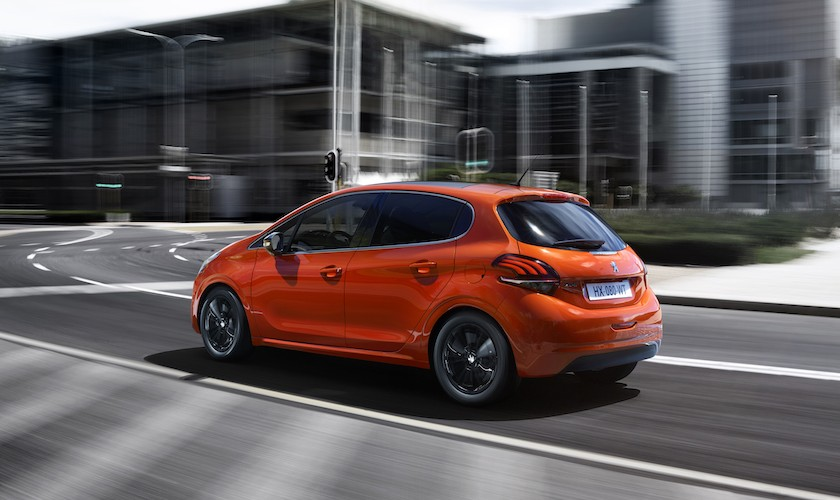 Rekord for bilsalget - vi køber biler som aldrig før - Blog Om Biler