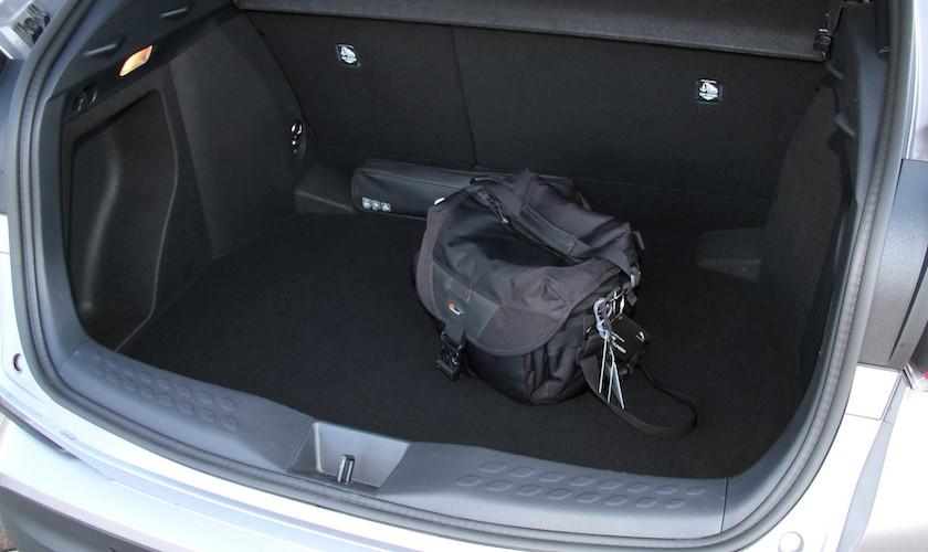 Behagelig benzinmotor - test af Toyota C-HR 1,2T