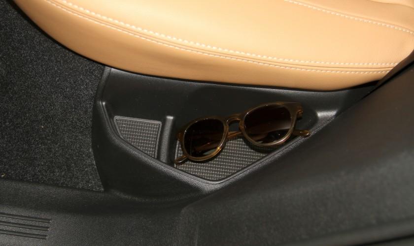 Jaguar E-Pace og Volvo XC40 - priser, udstyr og motorer