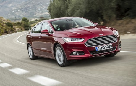Mondeo hænger i en tynd tråd - Ford satser på SUV og hybrid