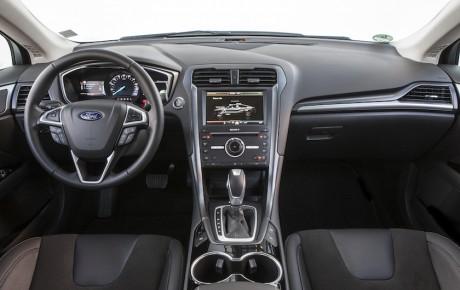 Ford sadler om - Mondeo Hybrid på vej til Danmark