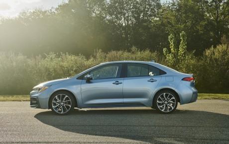 Toyota viser den nye Corolla som sedan