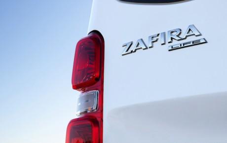 Zafira genopstår som stor familiebus